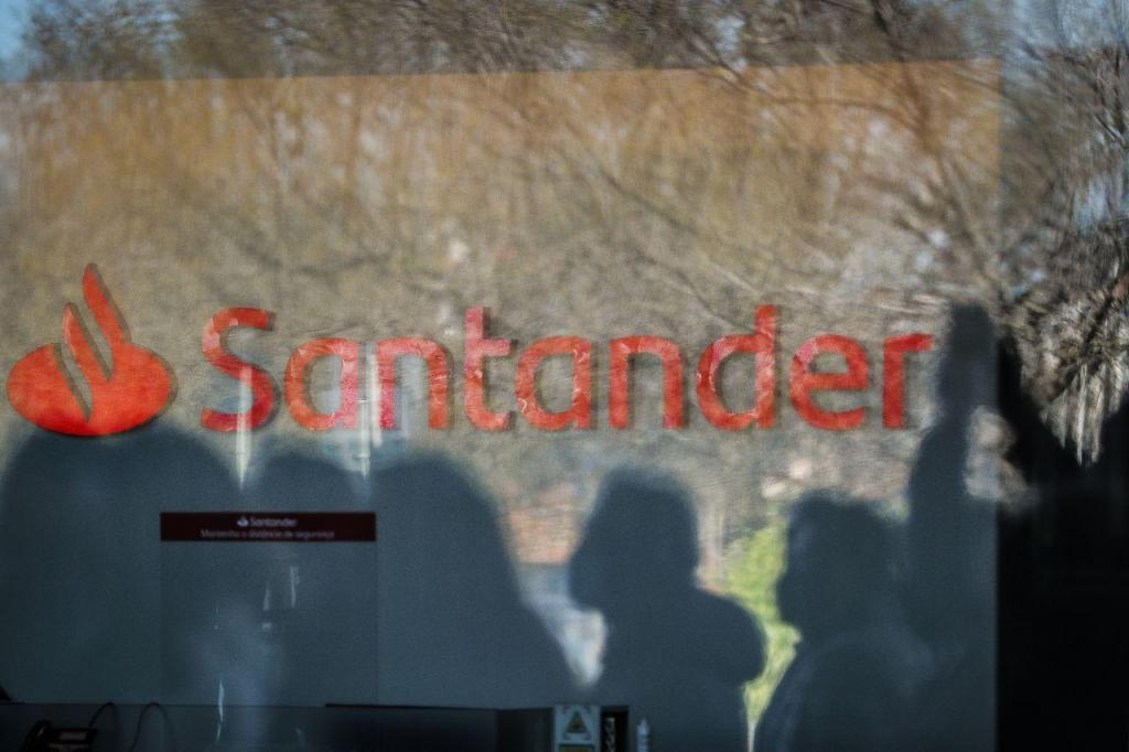 Concentração de trabalhadores do Banco Santander Totta