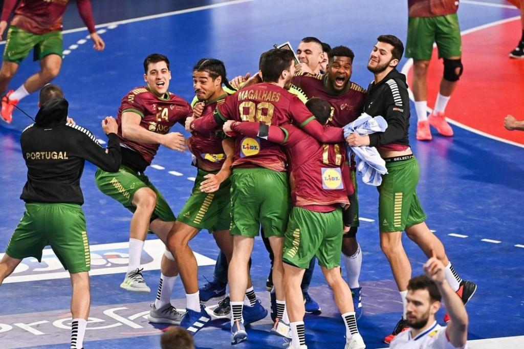 As imagens do Portugal-França em andebol, que ditou o apuramento para os Jogos Olímpicos (IHF)