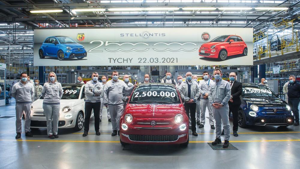 Fiat comemora a produção da unidade 2.5 milhões do 500
