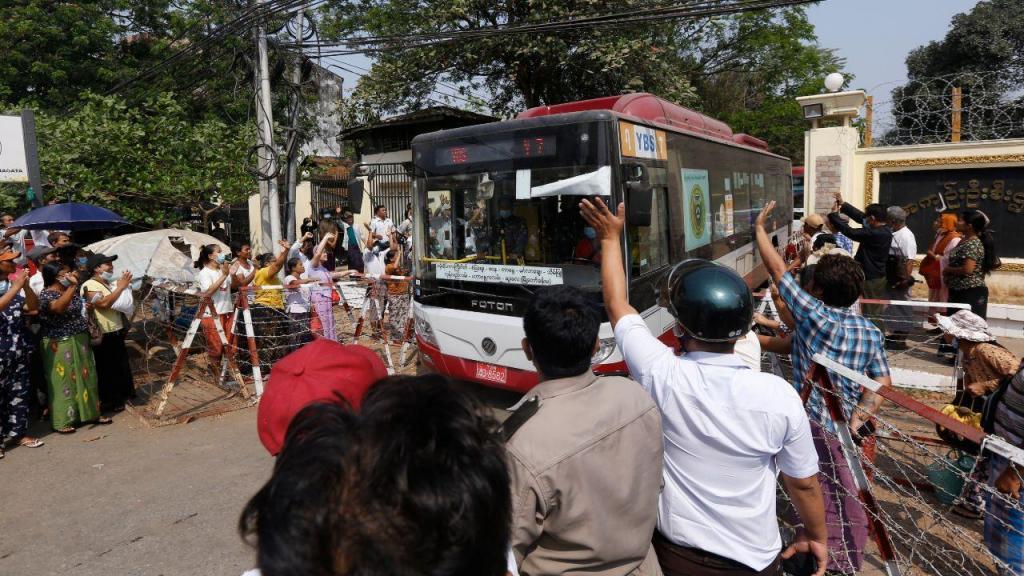 Libertação de presos em Myanmar