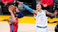 Danny Green e Kyle Kuzma no Philadelphia 76ers-Los Angeles Lakers (Mark J. Terrill/AP)