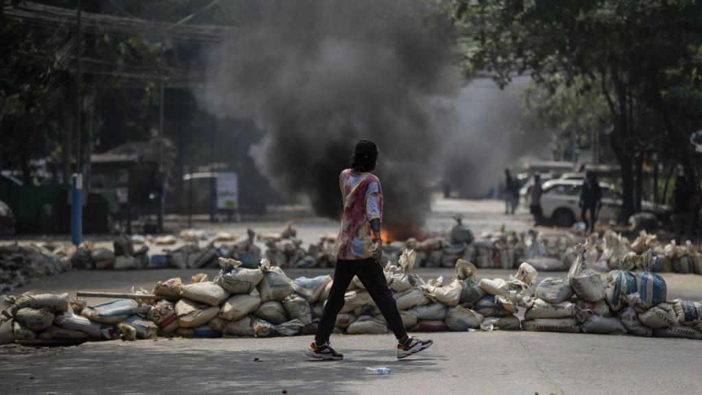 Violência nas ruas de Myanmar