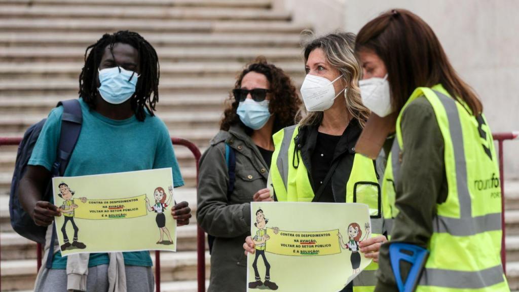 Trabalhadores da Groundforce manifestam-se em frente à Assembleia da República