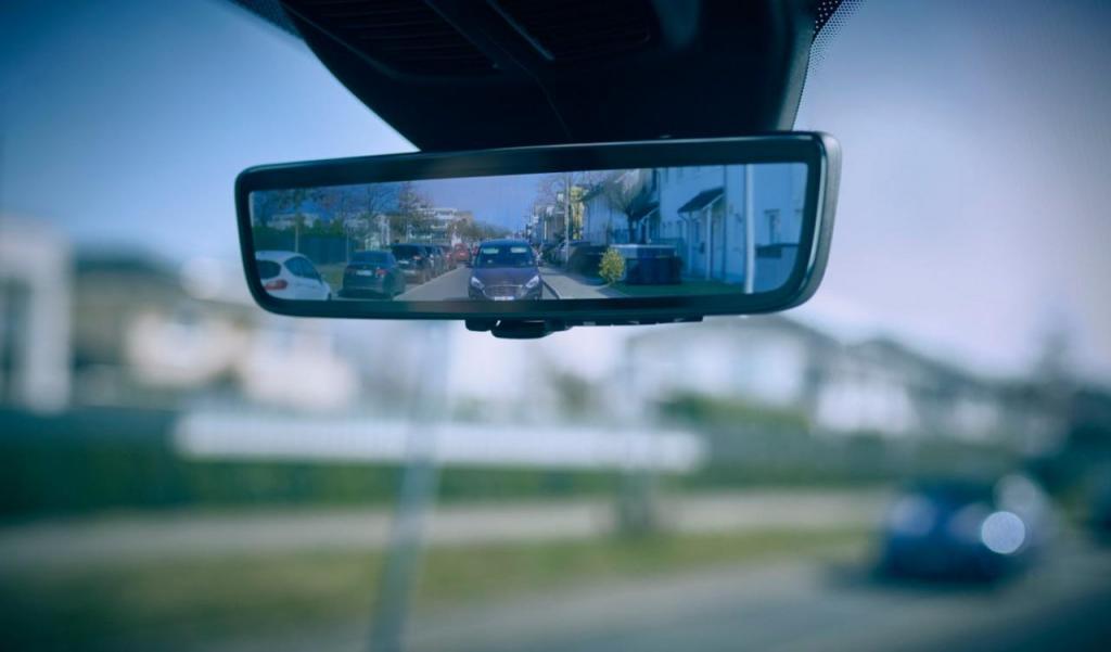 Retrovisor 'Smart Mirror' da Ford