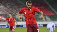 Haris Seferovic marcou o golo que ditou a vitória da Suíça frente à Finlândia por 3-2, em jogo particular (Gian Ehrenzeller/EPA)