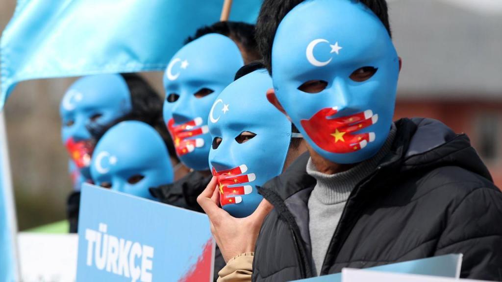 Protestos da comunidade uígure na Turquia chamam a atenção da comunidade internacional sobre as políticas genocidas da China