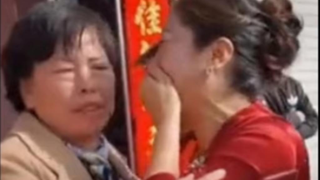 China: noiva descobre durante o próprio casamento que é filha da futura sogra