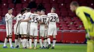 Roma festeja o golo de Pellegrini, que deu o 1-1 ante o Ajax (Peter de Jong/AP)