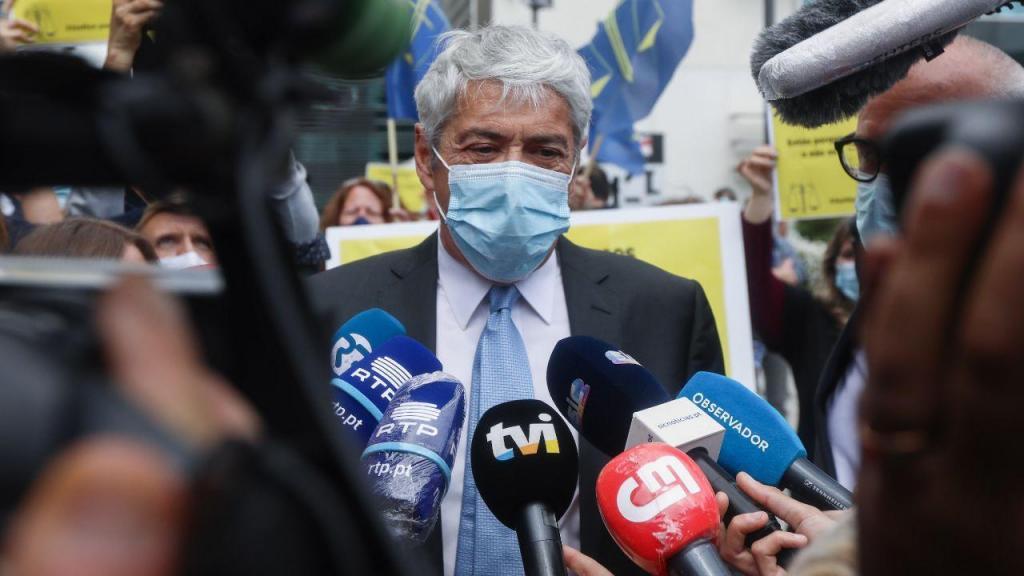 José Sócrates na chegada ao Campus de Justiça