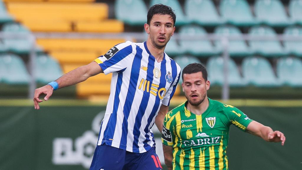 Grujic e Olabe no Tondela-FC Porto (Paulo Novais/LUSA)