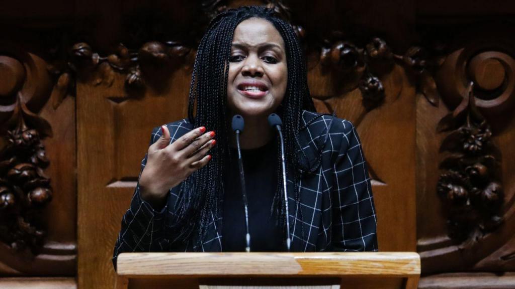 A deputada não inscrita Joacine Katar Moreira