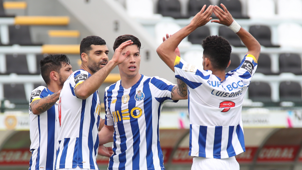 Taremi festeja com Corona, Uribe e Luis Díaz o primeiro golo no Nacional-FC Porto (Homem de Gouveia/LUSA)
