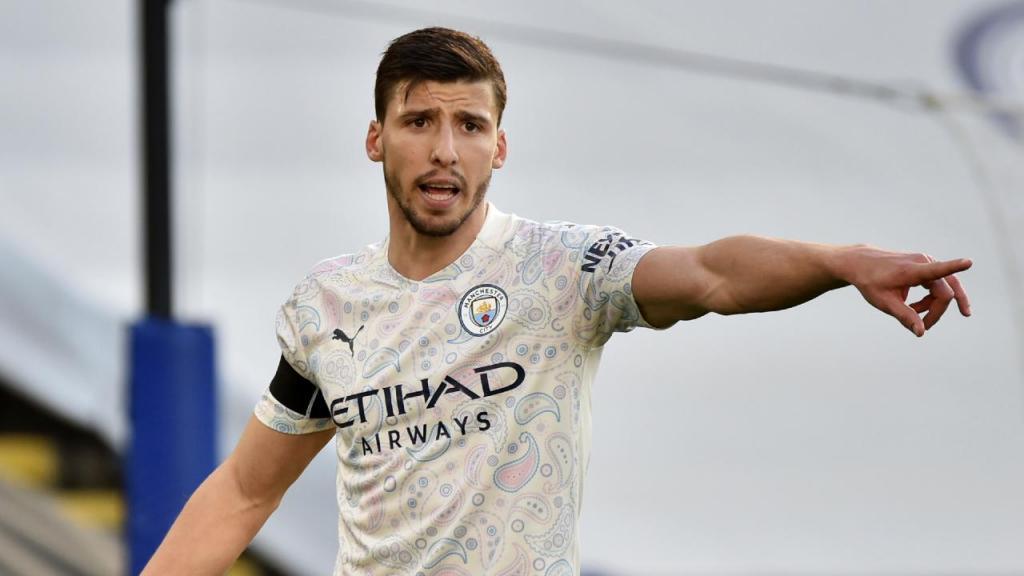 Rúben Dias no jogo do Manchester City com o Leicester