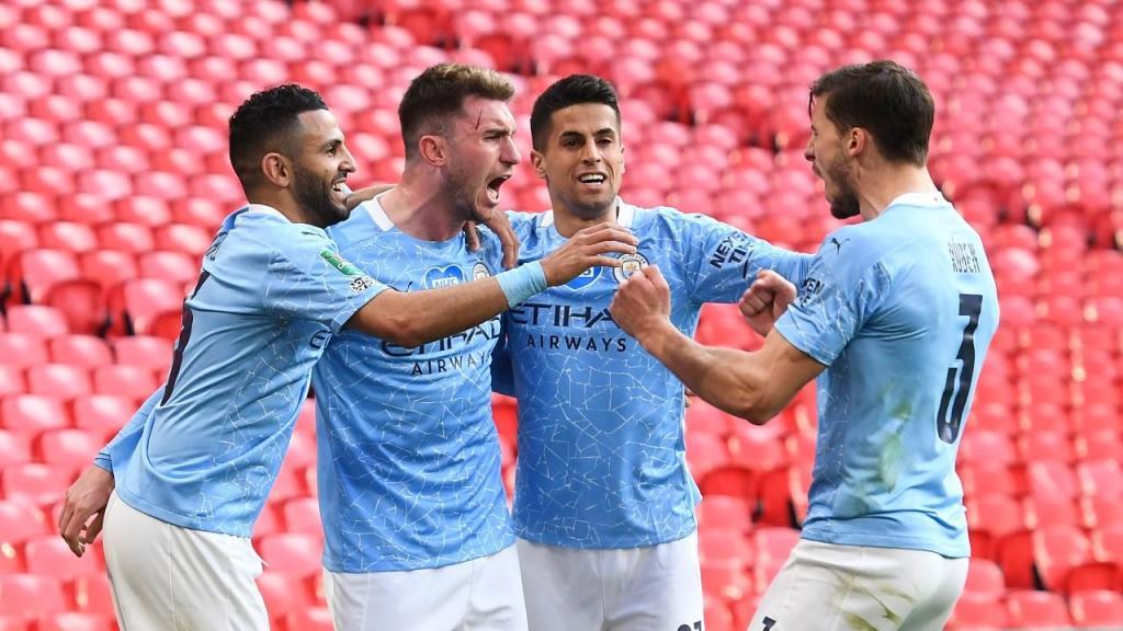 Manchester City venceu Taça da Liga com golo de Laporta
