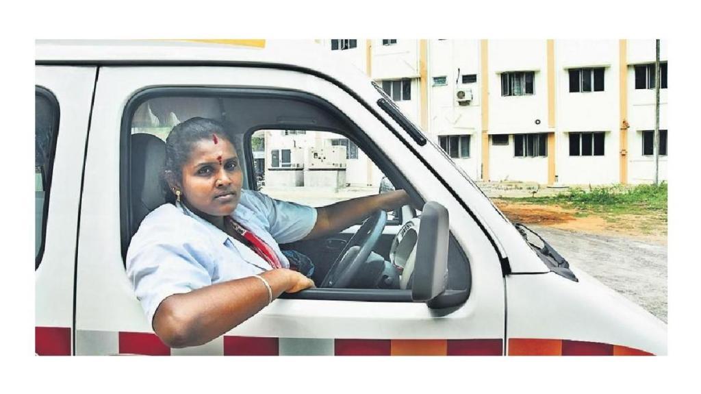 Primeira Mulher indiana condutora de ambulância