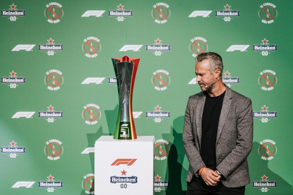 Tiago Monteiro Trofeu Oficial GP Formula 1 de Portugal 2021