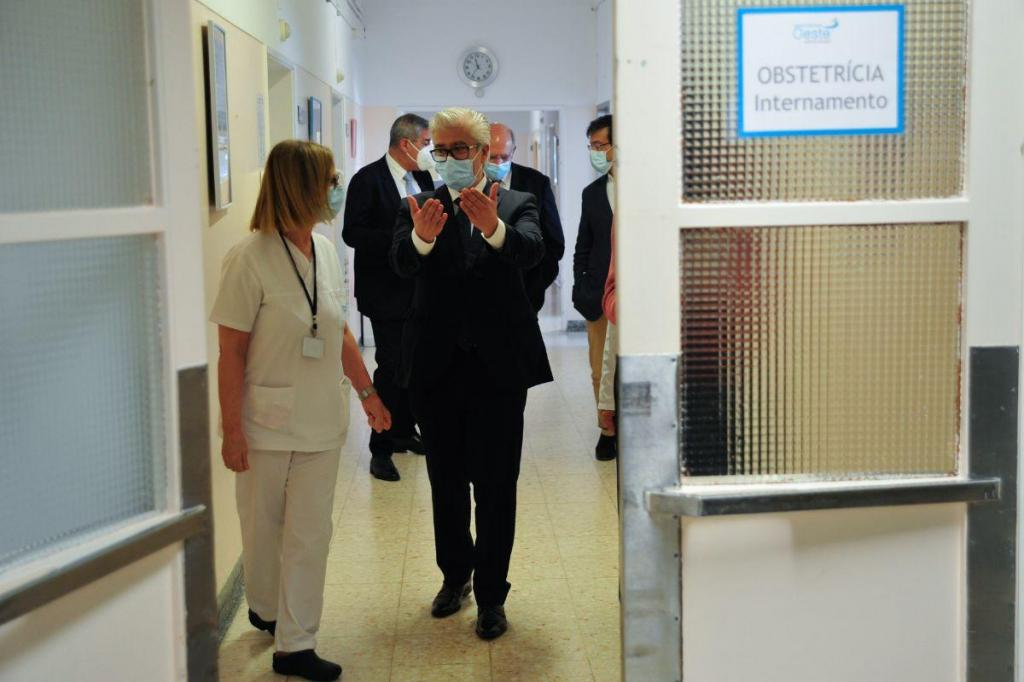 António Lacerda Sales visita Centro Hospitalar do Oeste