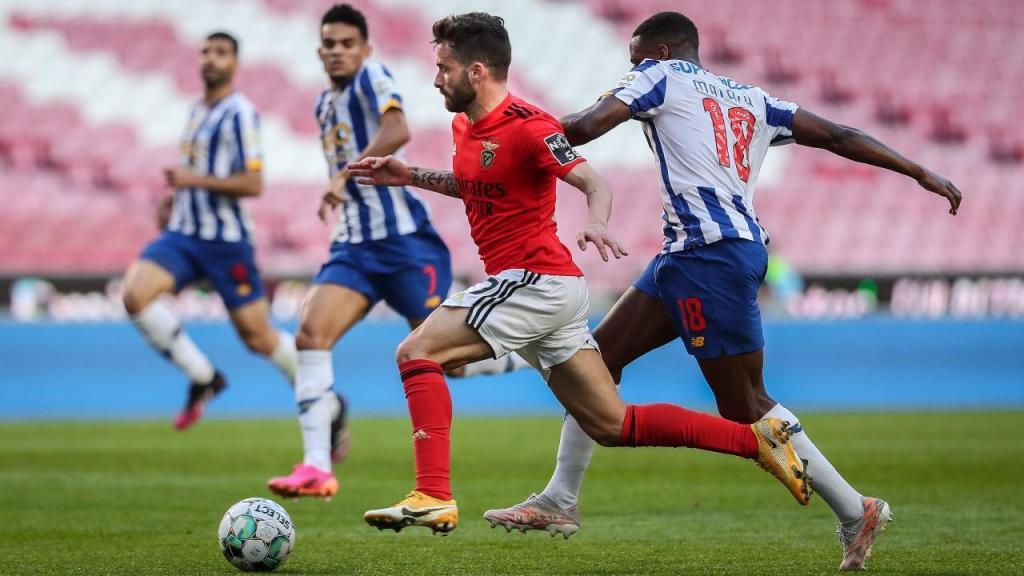 Rafa Silva e Manafá no Benfica-FC Porto (Mário Cruz/LUSA)