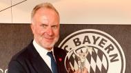Laureus 2021: Karl-Heinz Rummenigge recebe o prémio «Equipa do Ano» do Bayern (Ernesto Castillo/EPA)