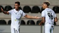 Pedro Henrique e Amine festejam golo do Farense ante o V. Guimarães (Filipe Farinha/LUSA)