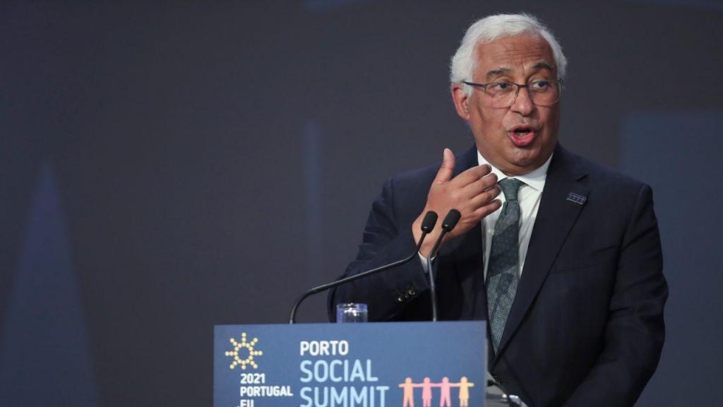 Costa fala na Cimeira Social