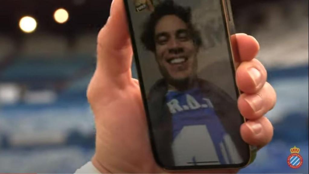 O «look» de Raúl de Tomás na festa de subida (vídeo: Espanyol)