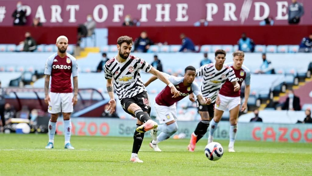 Bruno Fernandes marca de penálti no Aston Villa-Manchester United (Shaun Botterill/EPA)