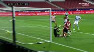 Jogadores do Atlético esquecem-se de Zubeldía e o médio relança o jogo