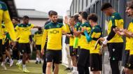 Sporting: campeões tiveram guarda de honra no treino
