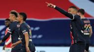 Mbappé festeja o 2-0 no PSG-Reims (Christophe Petit Tesson/AP)