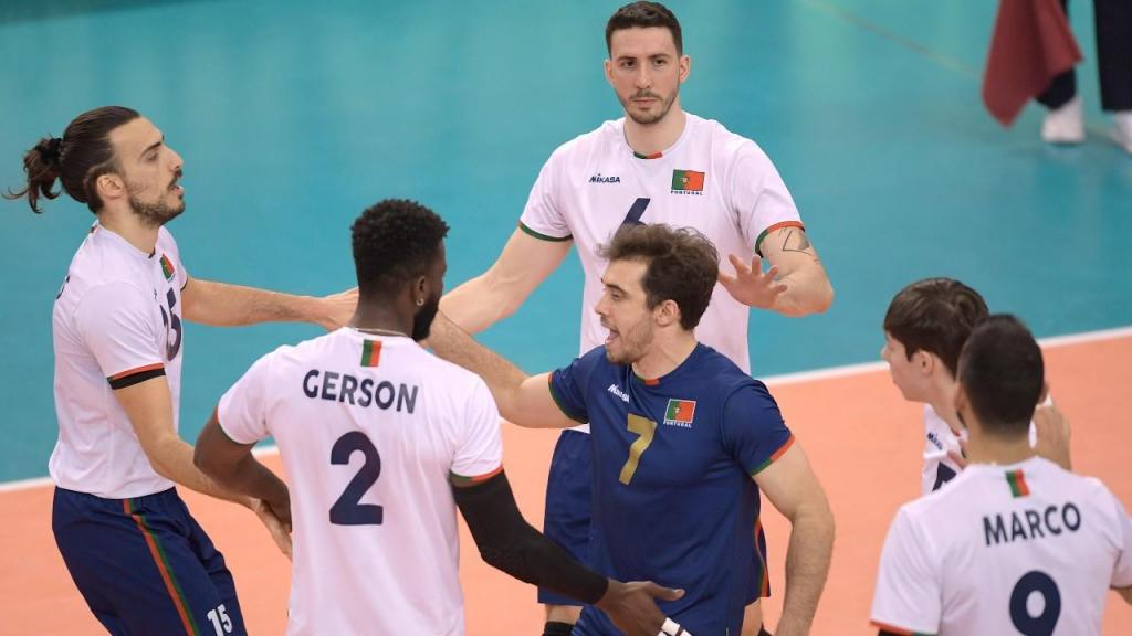Portugal festeja ponto frente à Hungria, no último jogo de apuramento para o Europeu de voleibol (Fernando Veludo/LUSA)