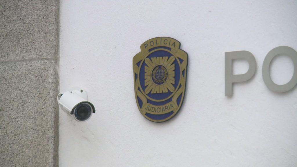 Treinador de camadas jovens detido pela PJ por posse de pornografia infantil