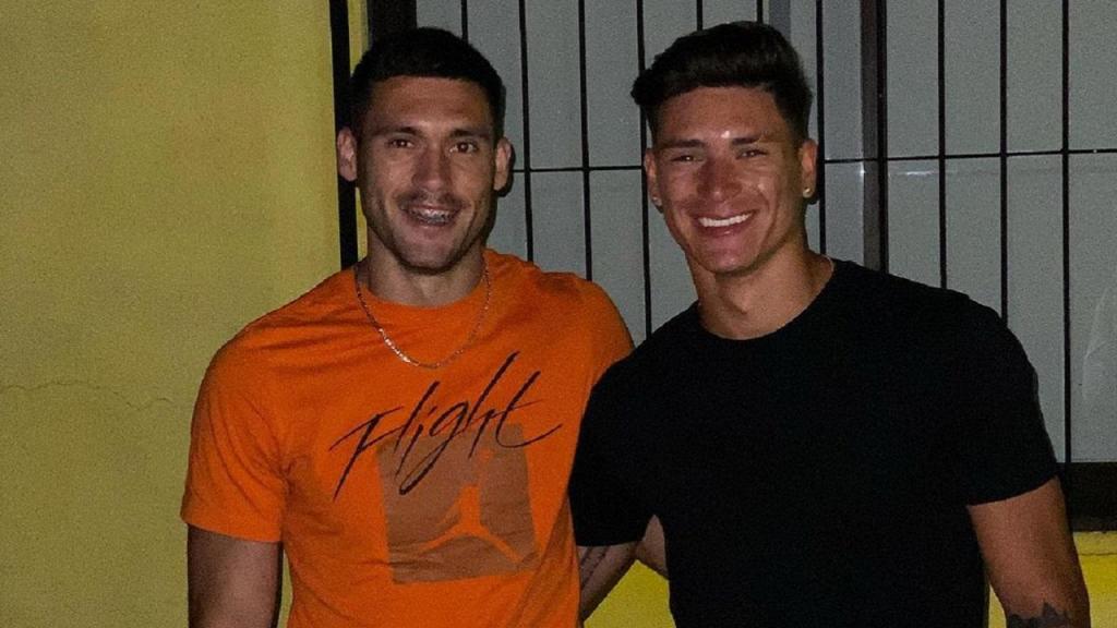 Darwin Nuñez com o irmão (foto Instagram)