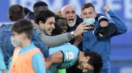 Vizela festeja subida à I Liga, com o treinador Álvaro Pacheco em primeiro plano (Fernando Veludo/LUSA)