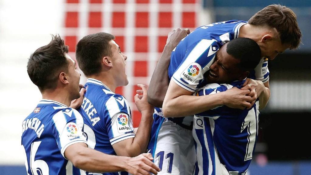 Real Sociedad venceu Osasuna com golo de Alexander Isak para selar o quinto lugar na liga espanhola (Jesus Diges/EPA)