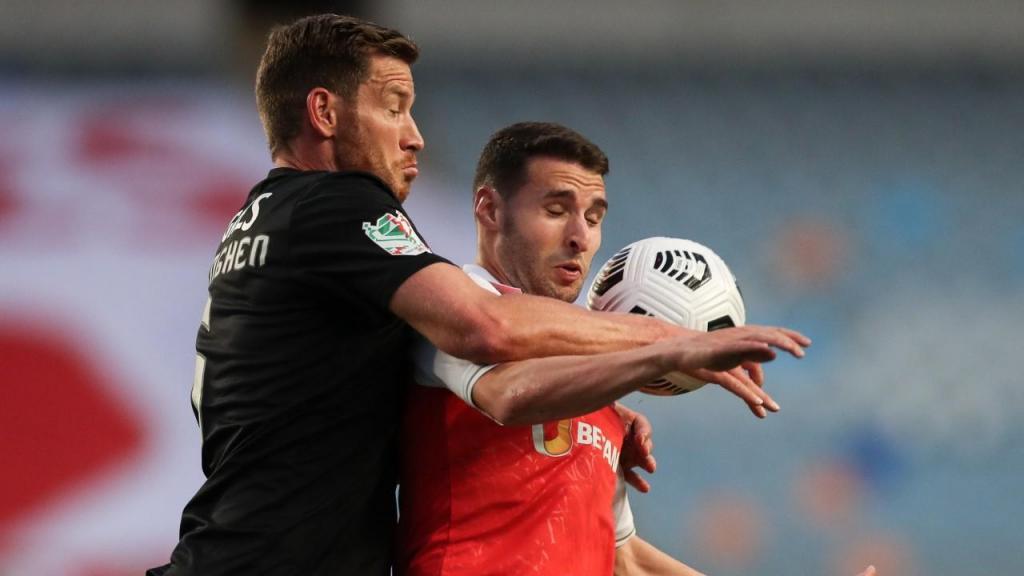 Vertonghen e Abel Ruiz no Sp. Braga-Benfica (Lusa)