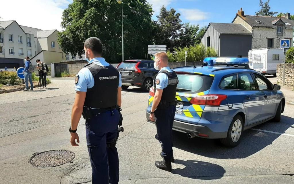 Polícia esfaqueada em Nantes