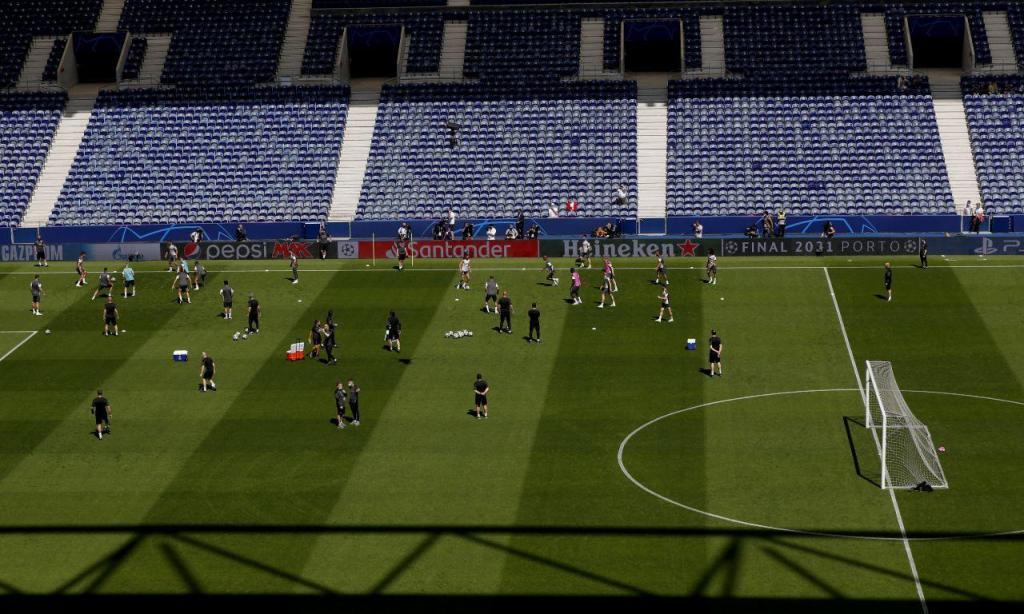 Treino do Manchester City no Estádio do Dragão