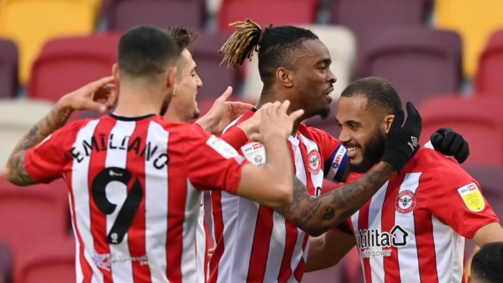 Brenford em festa com a subida à Premier League