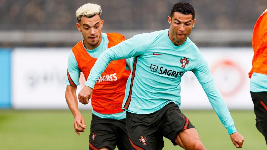 Ronaldo e Pedro Gonçalves no treino da seleção (FPF)