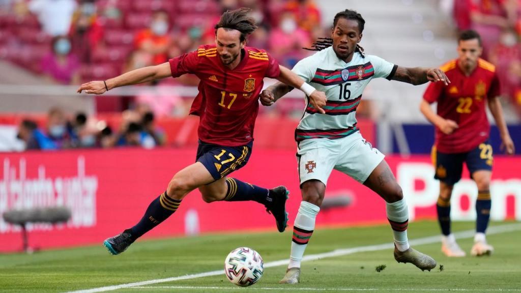 Fabián Ruiz e Renato Sanches no Espanha-Portugal (Manu Fernandez/AP)
