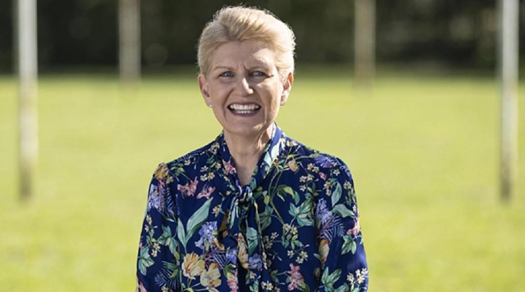 Debbie Hewitt (site FA)