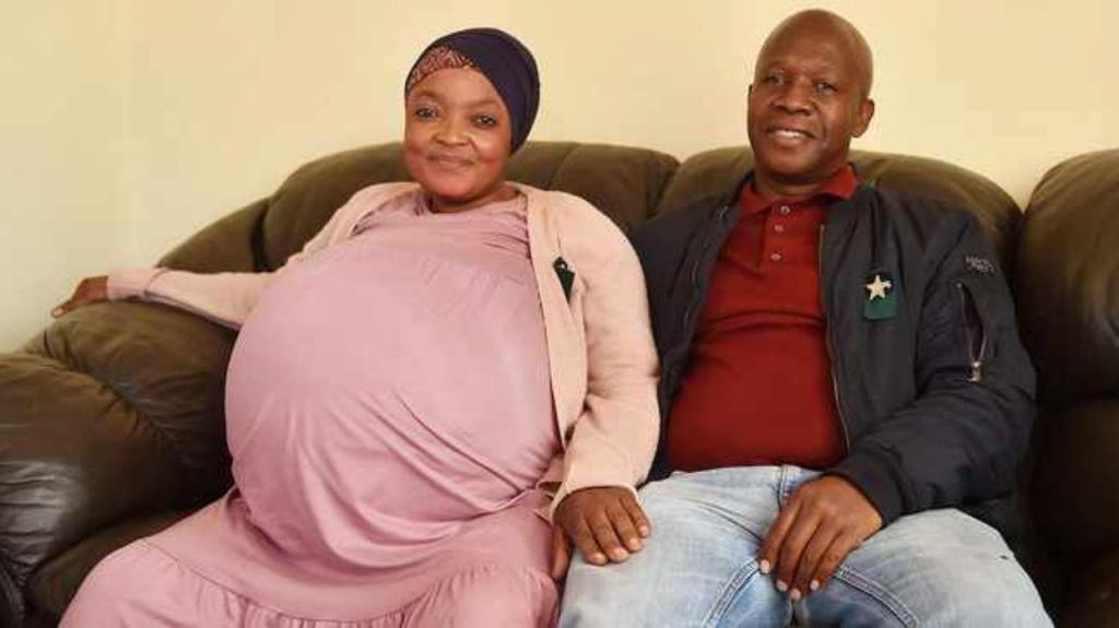 Mulher dá à luz dez bebés