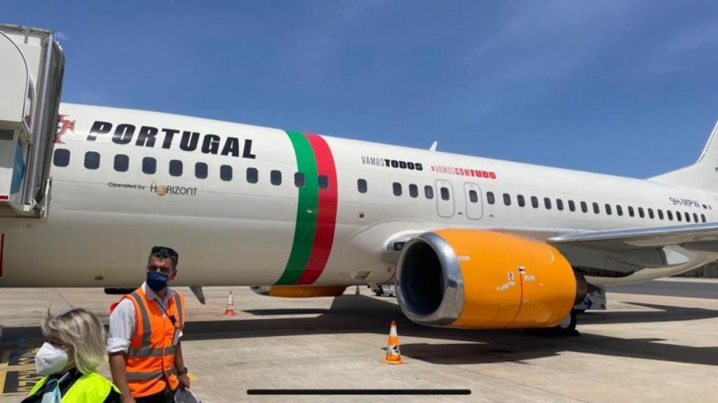 O avião da seleção nacional (FPF)