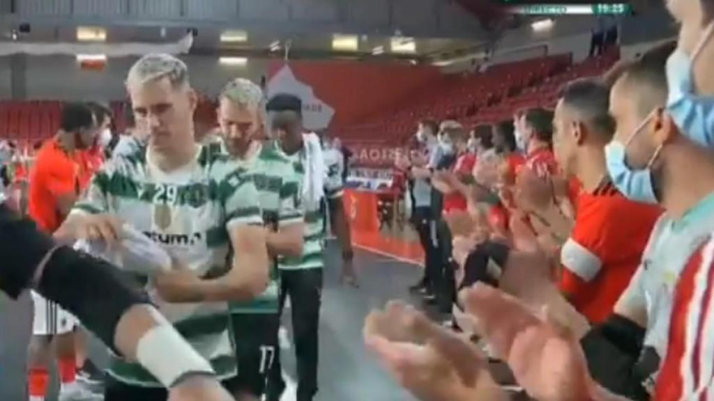 Guarda de honra do Benfica ao Sporting (Sporting TV)