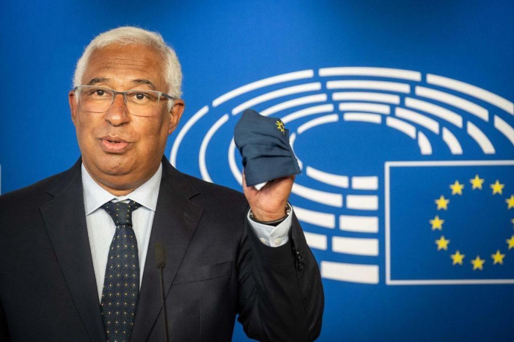 António Costa na cerimónia de assinatura do certificado digital covid-19