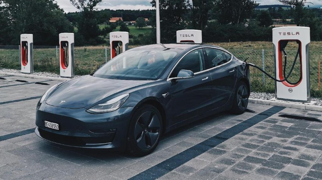 Rede de superchargers Tesla na Europa