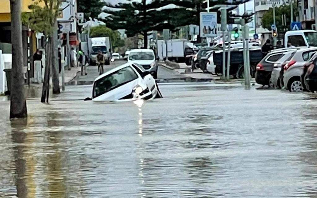 Inundação na Costa da Caparica