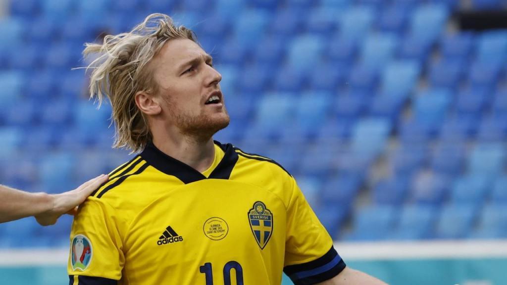 Emil Forsberg festeja o 1-0 no Suécia-Eslováquia (Anatoly Maltsev/EPA)