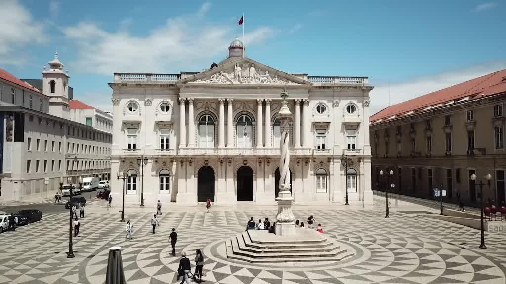 Câmara de Lisboa: equipa de proteção de dados tem cinco pessoas